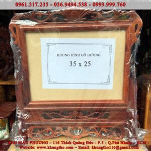 khung hình thờ gỗ hương