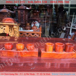 Kỷ nước thờ 3 ly bằng gỗ hương